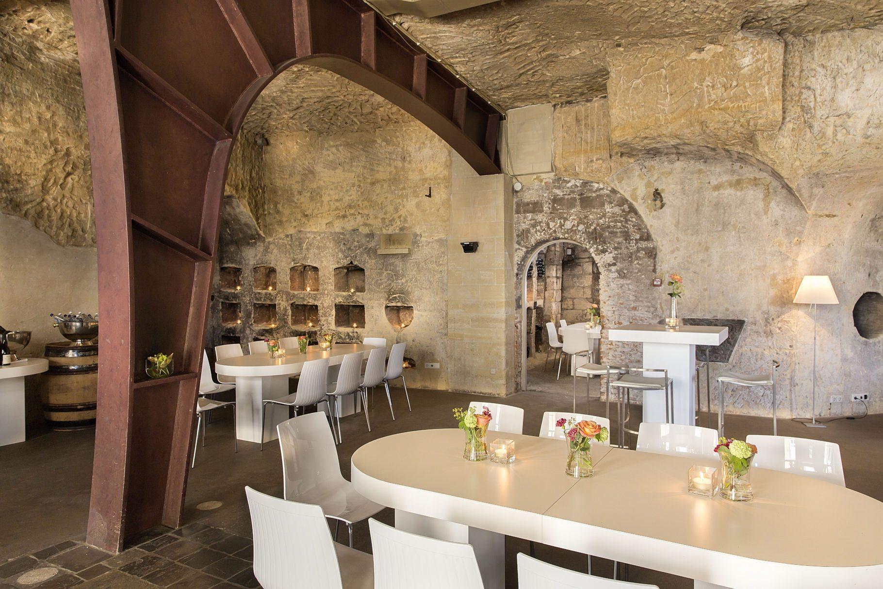 Wijnkelders in mergelgrotten Maastricht | Château Neercanne