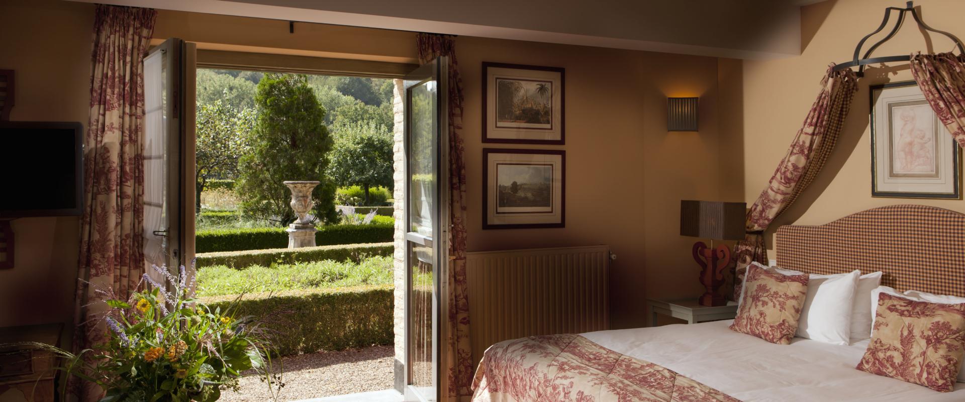 Senior suite ch teau st gerlach for Designhotel maastricht comfort xl