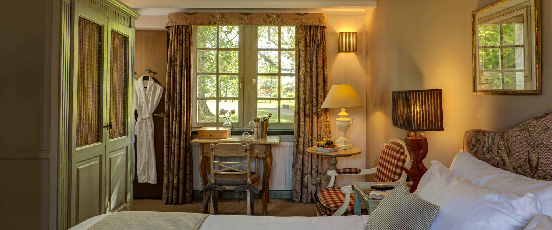 Luxe hotelkamer ch teau st gerlach for Designhotel maastricht comfort xl