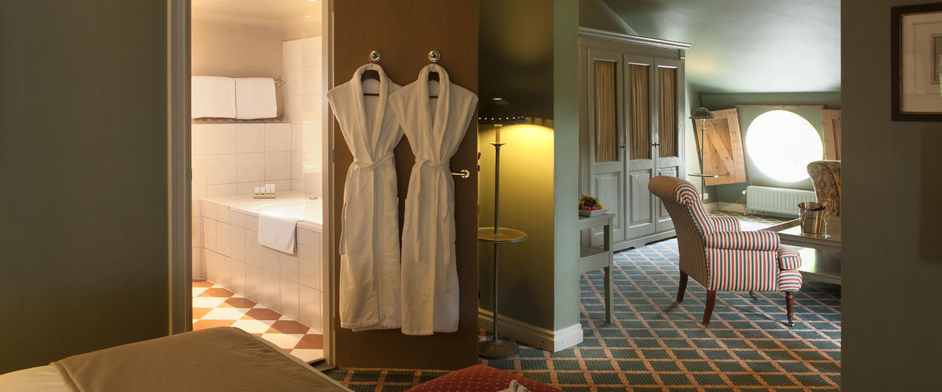 Residential suite ch teau st gerlach for Designhotel maastricht comfort xl