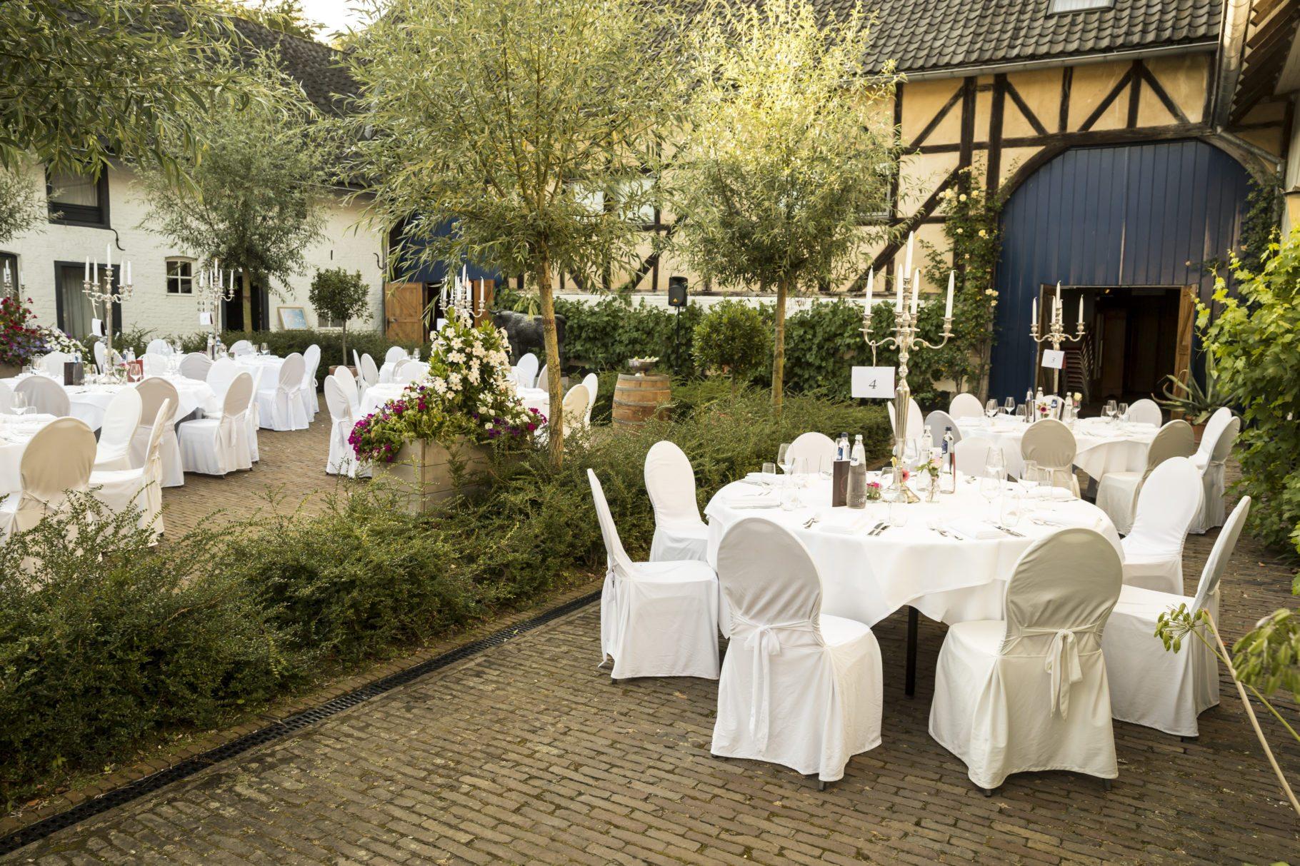 Winselerhof binnenplaats huwelijk