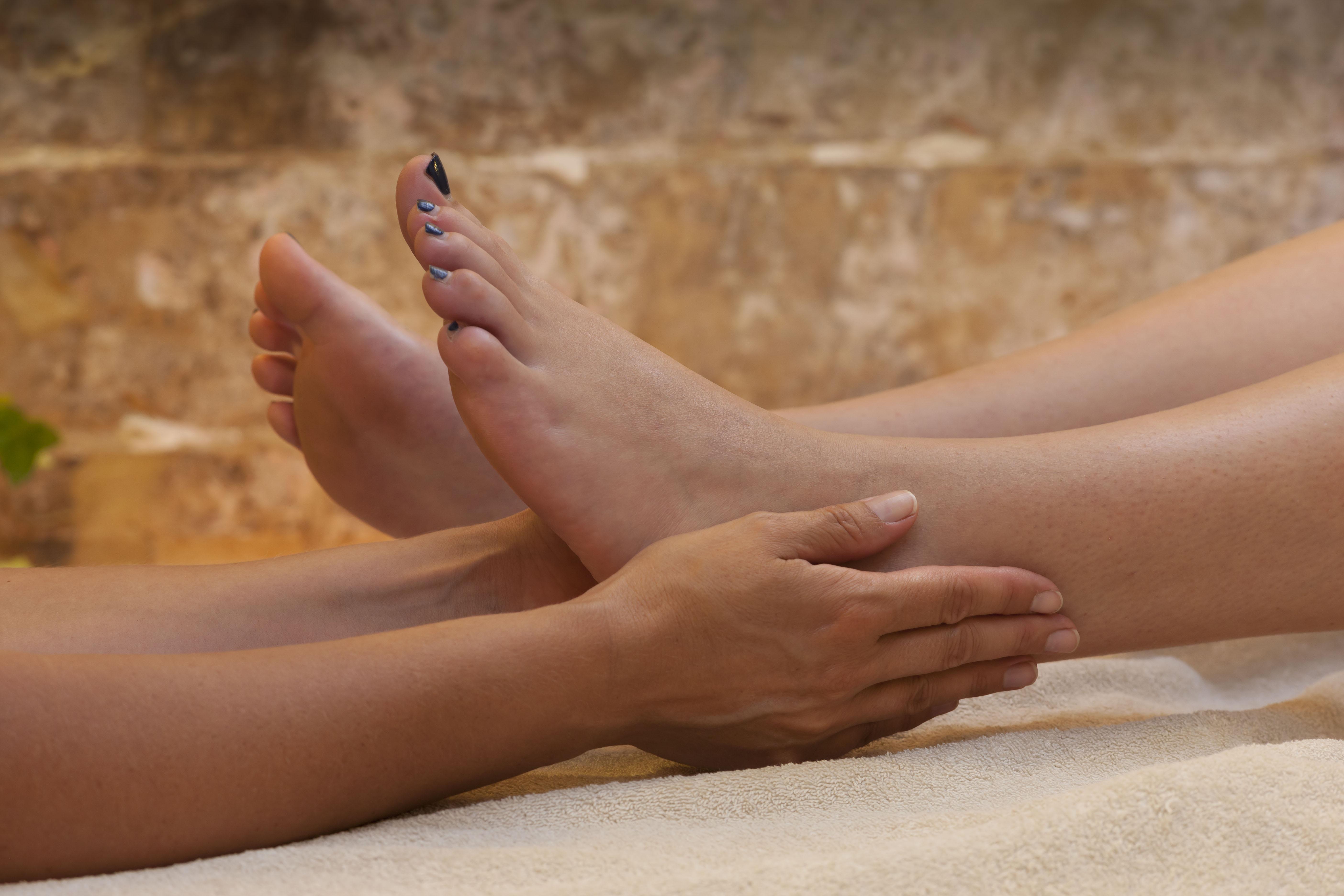 Картинки женские ножки в домашних условиях